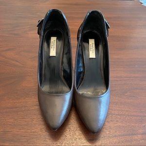 Simply Vera Vera Wang Brown Stud Shoes Size 8
